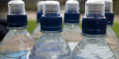 Mientras que Brasil es el país más barato: 67 centavos de dólar la botella. Foto:Getty Images