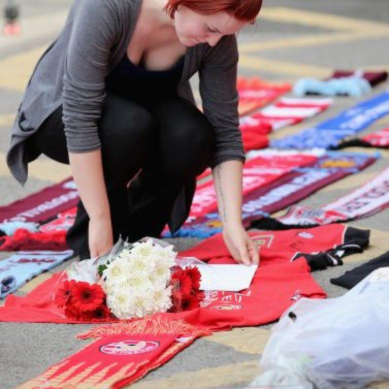 """""""Mi novio recibió 4 disparos para salvarme"""", añadió por su parte Saera Wilson a la BBC. Foto:Getty Images"""
