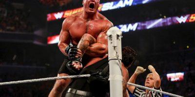 Desde entonces, el ex luchador de la UFC, no aparece en las pantallas de WWE. Foto:Getty Images