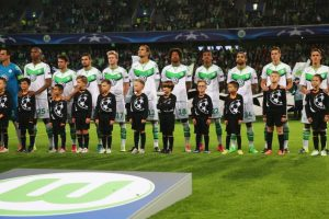 Wolfsburgo comenzó con victoria 1-0 sobre CSKA Moscú y luego cayó 2-1 ante Manchester United. Foto:Getty Images