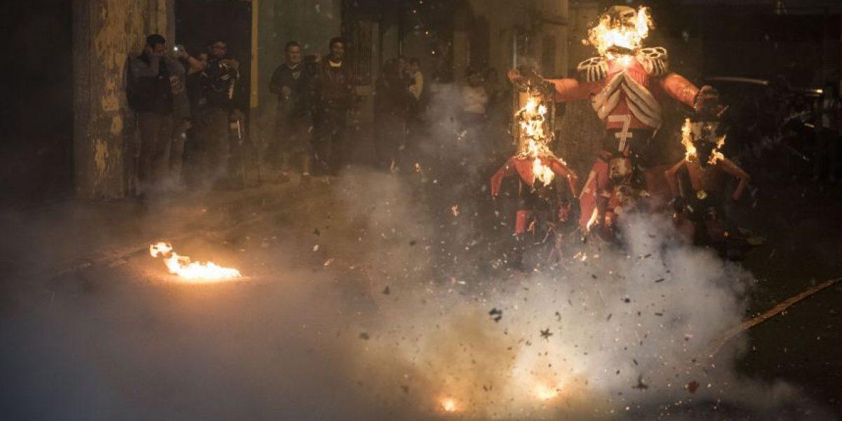 La Quema del Diablo ilumina las calles de la ciudad
