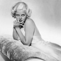 Pero en realidad su fama fue la de ser una bomba sexual, cosa que se explotaba en todas sus películas. Foto:vía Getty Images
