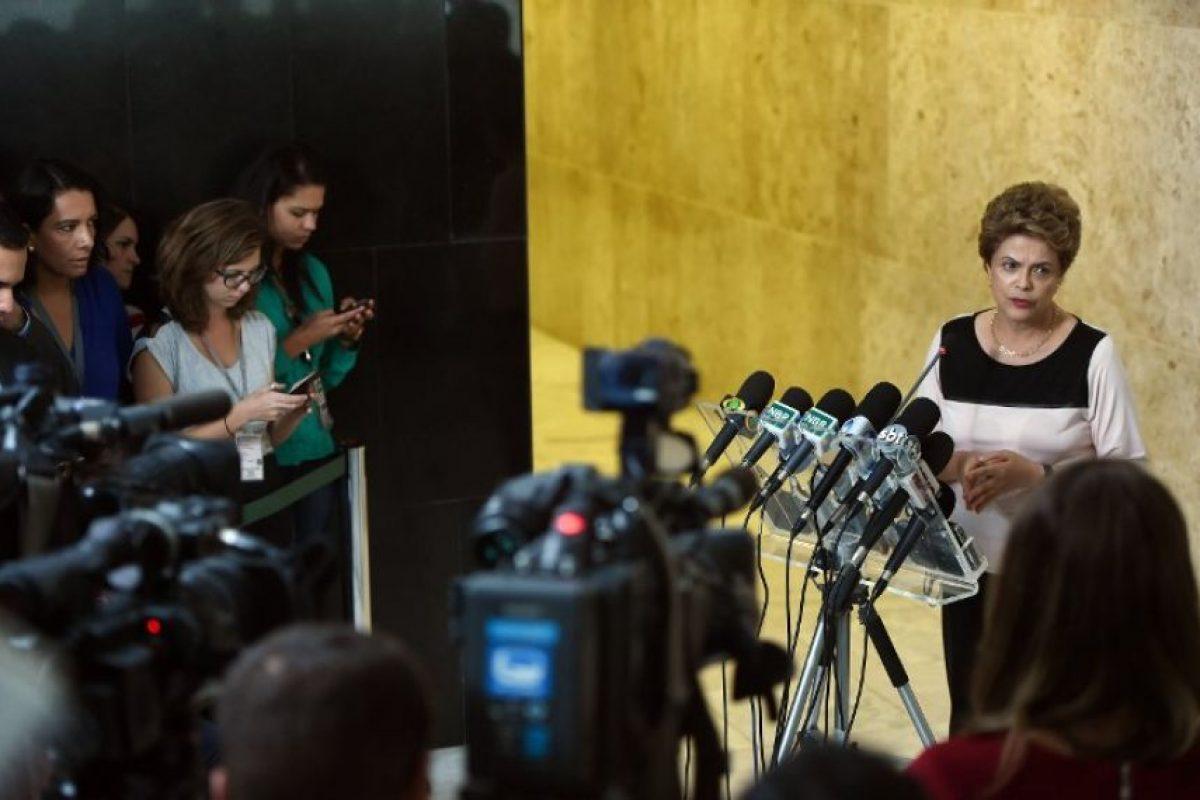 Por su parte, Dilma Rousseff mencionó que defenderá su mandato con todos los instrumentos del Estado de derecho. Foto:AFP