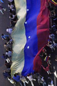 """""""Convocamos el congreso de 980 delegados y delegadas de la base del Partido Socialista Unido de Venezuela (PSUV), el próximo jueves y viernes en Caracas"""", sentenció. Foto:AFP"""