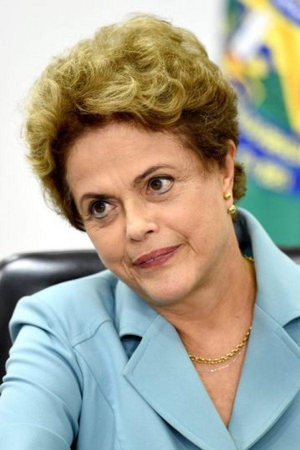 """Aunque hasta el momento no ha reaccionado, hace unos días Rousseff dijo no tener """"ni un milímetro de razones"""" para desconfiar de Temer Foto: AFP"""