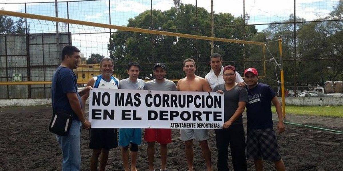 Federación de Voleibol y CDAG prometen no quitar cancha de voleibol de playa