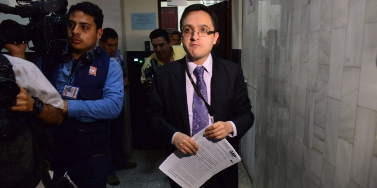 Acusación en contra de expresidente Otto Pérez tiene 220 pruebas