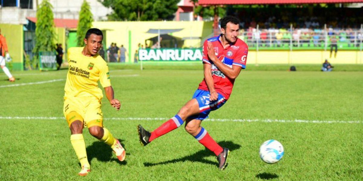 #Apertura2015 Guastatoya golea a Xelajú y acaricia el pase a la final