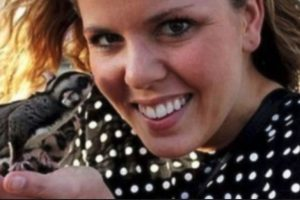 Whitney Fetters de 28 años. Envió por lo menos 20 selfies mostrándose totalmente desnuda Foto:Twitter.com – Archivo