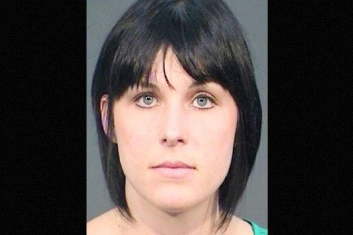 Nadia Cristina Díaz fue arrestada por supuestamente tener relaciones sexuales con un estudiante de 14 años. Foto:Fresno County Jail