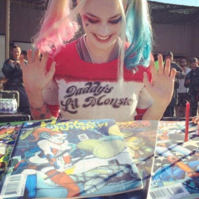 """Y """"Suicide Squad"""", en la que interpreta a """"Harley Quinn"""", la novia del villano """"The Joker"""" (Jared Leto). Foto:víavía twitter.com/margotrobbie"""