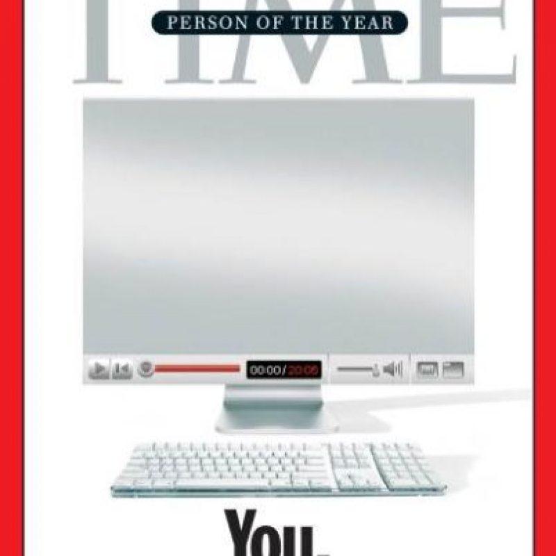"""2006- """"Tú"""", este número fue dedicado a los lectores, quienes según la revista controlan la Era de la Información Foto:Vía Time"""