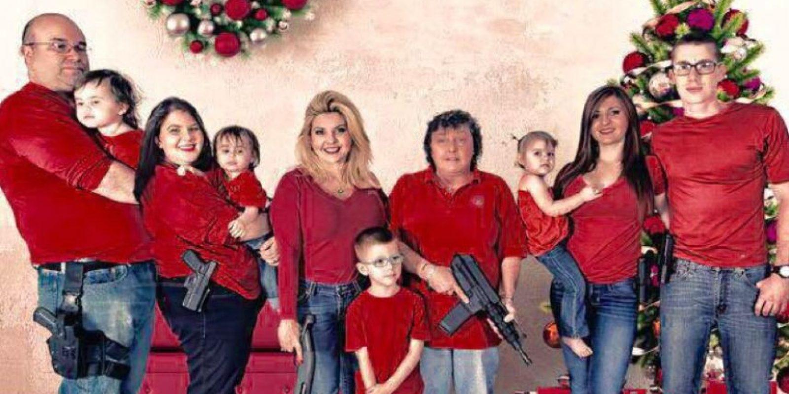 La republicana tiene 45 años y el 1 de diciembre publicó esta postal navideña. Foto:Vía Facebook.com/MicheleFiore2012