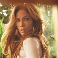 ¿Logra igualar el look de Jennifer? Foto:vía instagram.com/jlo