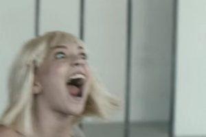 8- Sia – Elastic Heart feat. Shia LaBeouf & Maddie Ziegler (Official Video). Foto:vía YouTube