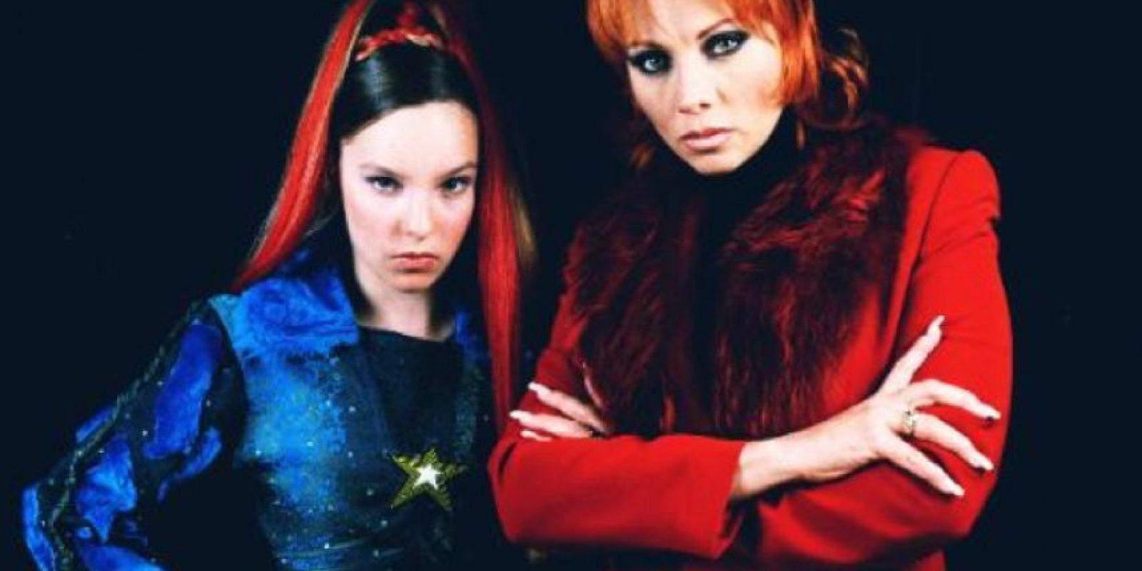 Todo iba bien con Belinda, que realmente era muy buena en su papel a pesar de sus peinados espantosos. Foto:vía Televisa