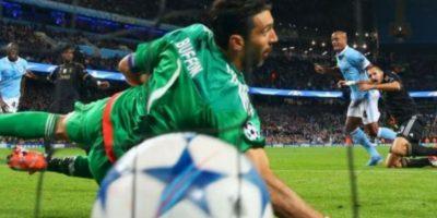 Los pupilos de Manuel Pellegrini ganaron 23.5 milllones de euros, gracias a los 12 puntos que acumularon en la fase de grupos Foto:Getty Images