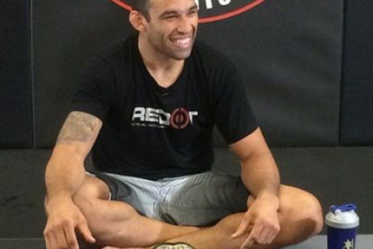 El 13 de junio de 2015 le quitó el cinturón a Caín Velásquez Foto:Vía instagram.com/werdum