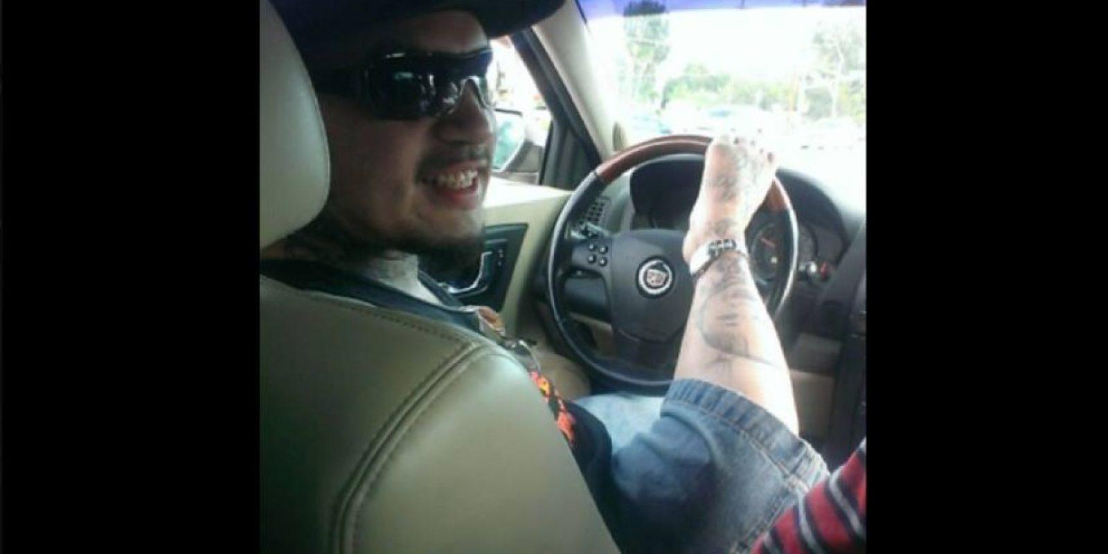 Su discapacidad no lo detuvo. Foto:Vía facebook.com/TattooByFoot