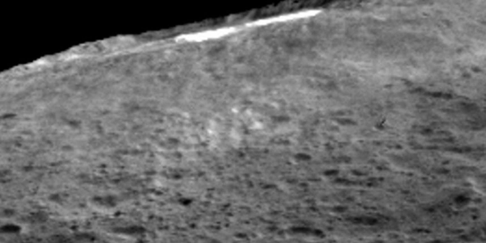 4. Tiene una masa 80 veces menor que la Luna. Foto:Vía NASA/JPL-Caltech/UCLA/MPS/DLR/IDA
