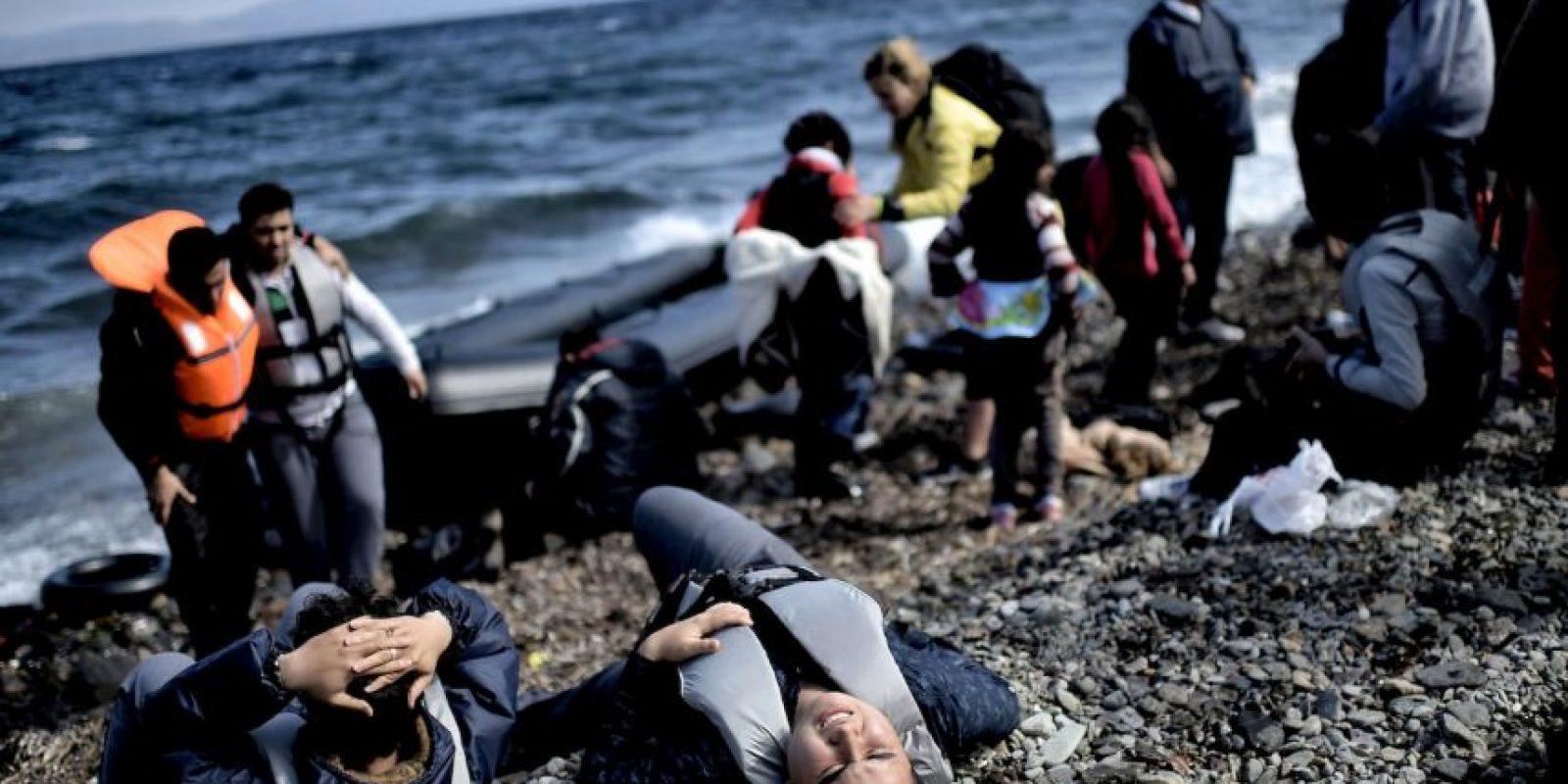 Muchas han arriesgado su vida en el mar para huir de la guerra en sus países. Foto:AFP