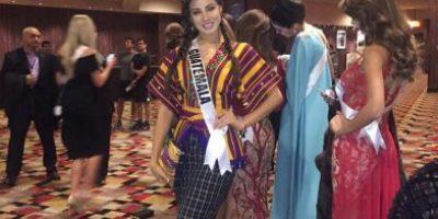 Con un traje típico Sanjuanero, Miss Guatemala aclara no tener ningún problema con Miss Costa Rica