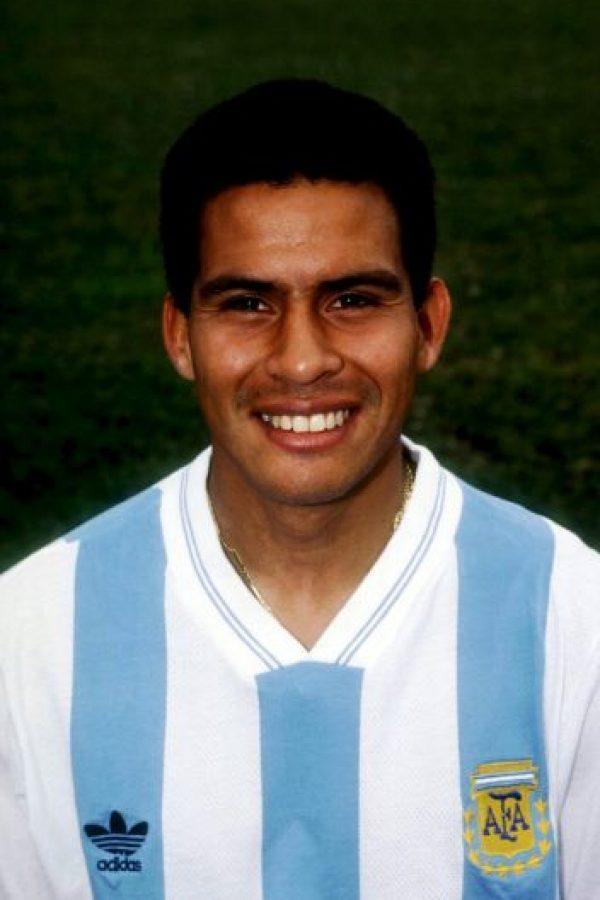 El exseleccionado nacional argentino se retiró en 2007 de las canchas, pero en 2009 fue atacado a disparos cuando le intentaron robarle su coche. Una de las balas le dio en el ojo derecho, el cual perdió, además de que por esto, sufrió una fractura en la base del cráneo. Foto:Getty Images