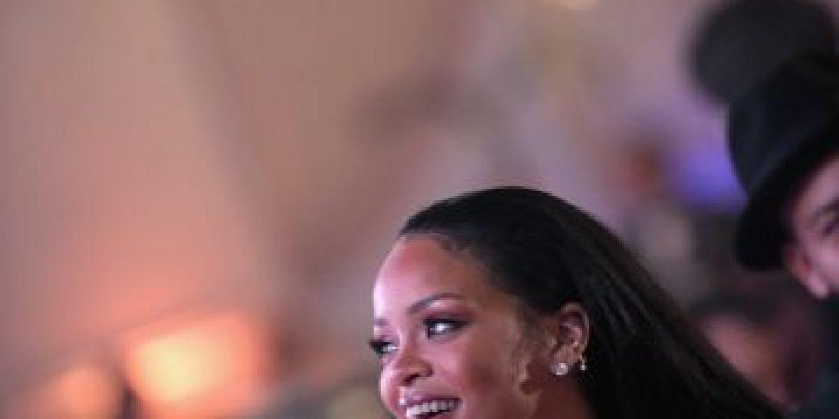 Fotos: Miren el arriesgado vestido que eligió Rihanna para su gala benéfica