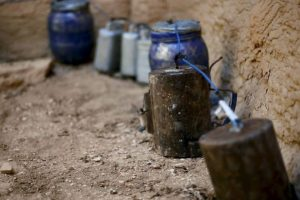 Todo con ayuda de explosivos caseros. Foto:AP