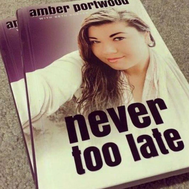 Incluso escribió un libro. Foto:vía Instagram