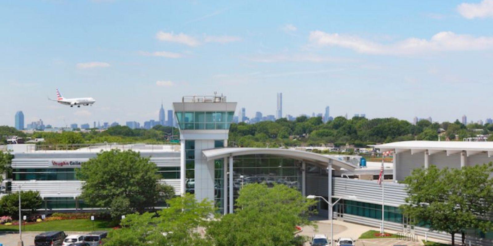 Y el Colegio Vaughn de Aeronáutica y Tecnología. Foto:Vía Flicker