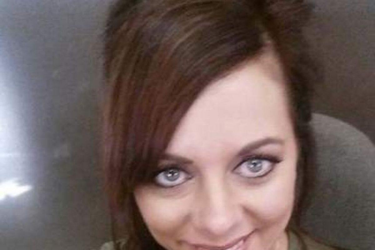 Los selfies de la tía acusada de abusar de su sobrino Foto:Facebook.com