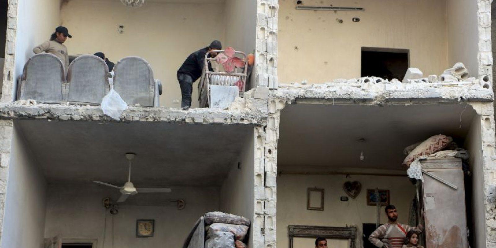 Así quedó una casa tras el ataque aéreo. Foto:AFP
