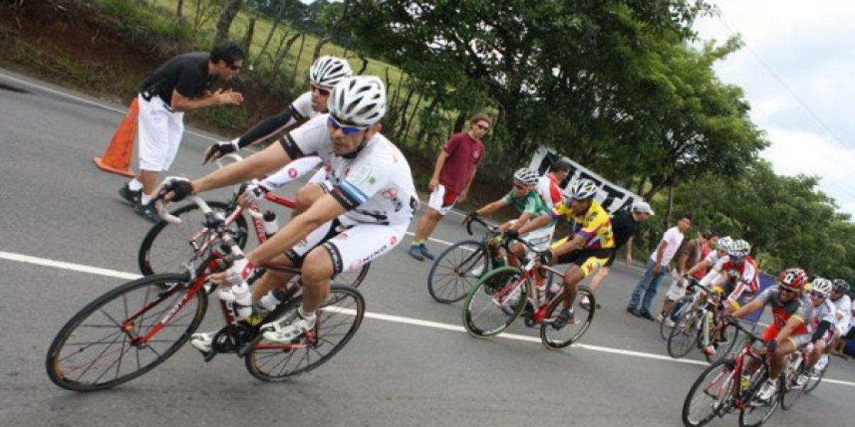 Ciclista muere arrollado mientras entrenaba y esto le escriben en sus redes
