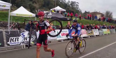 Video: El gran gesto de ciclista que evita rebasar a su rival metros antes de la meta