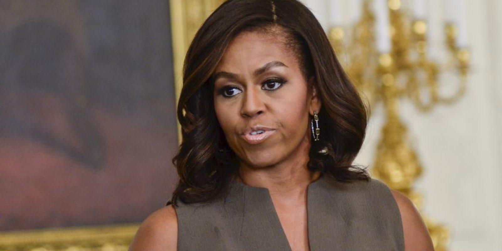 Los diseñadores estadounidenses suelen prestarle sus vestidos. Otros los paga ella. Jamás vienen del erario. Foto:Getty Images