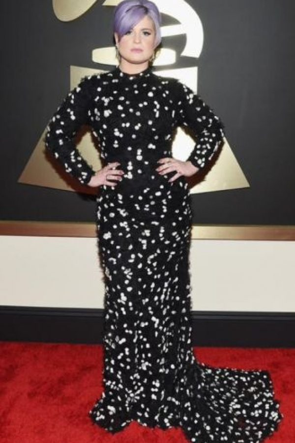 Kelly Osbourne, con este esperpento. Foto:vía Getty Images