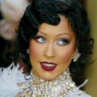 Christina Aguilera las tiene a la usanza de los años 30, pero son un desastre. Foto:vía Getty Images