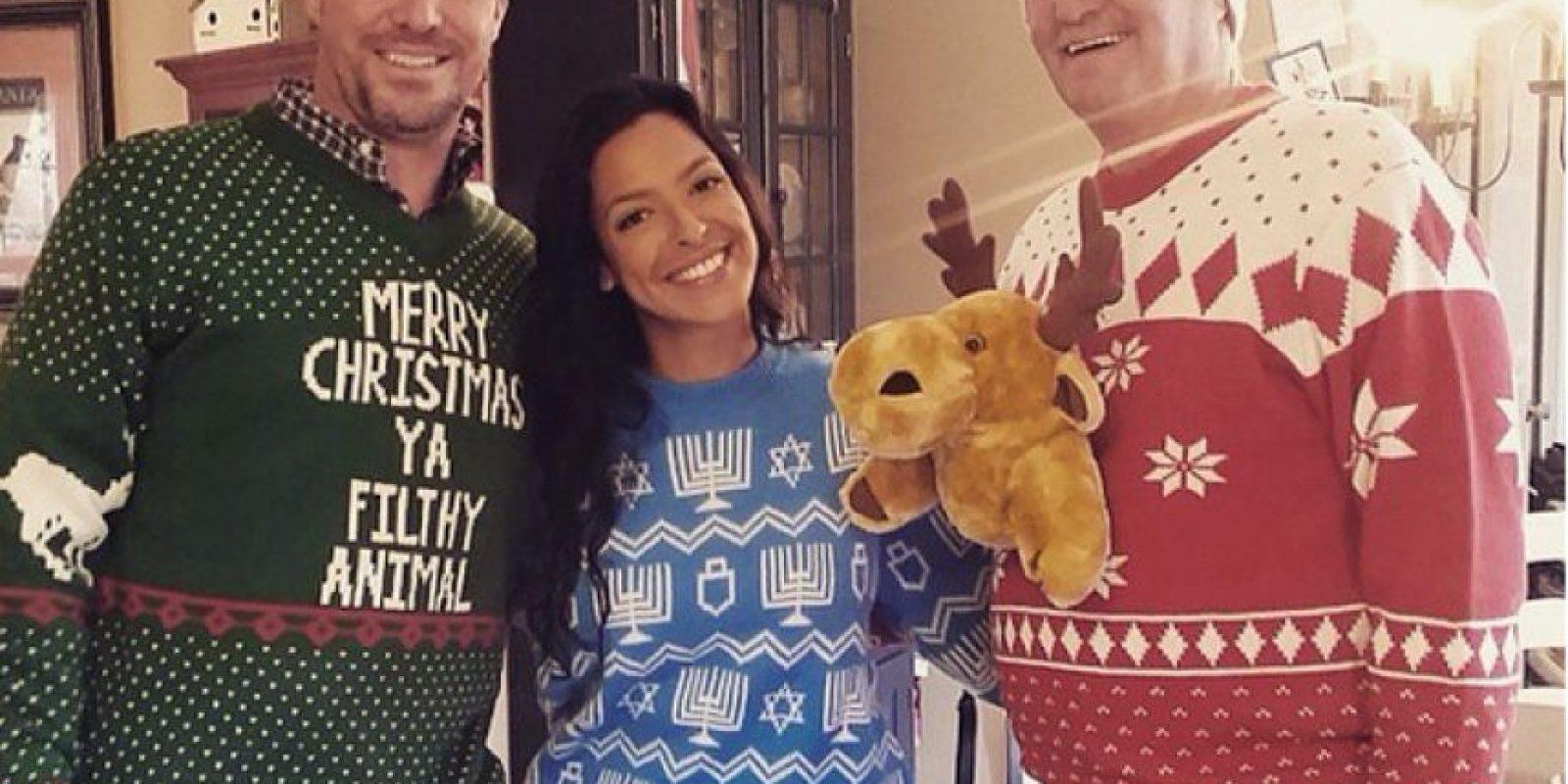 Los clientes comparten sus fotos luciendo los suéteres feos. Foto:Vía Instagram.com/uglychristmassweater_com