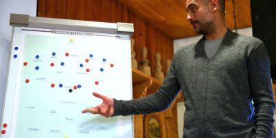 Guardiola se retiró de las canchas en 2006, pero ese mismo momento su preparación como DT comenzó. Foto:Getty Images