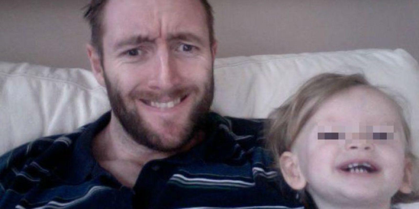 Paul Glaze y su pequeña hija Flame Foto:Vía Twitter/@TinaMalone