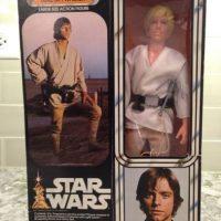 1- Kenner Vintage 1977 Star Wars Luke Skywalker Farmboy 12 Pulgadas. Foto:vía ebay.com