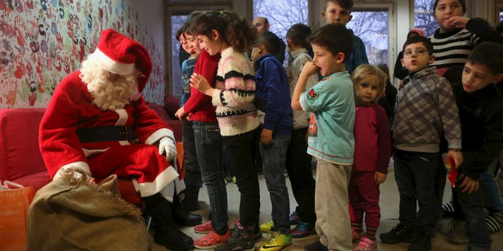 Y visitaron a niños migrantes sirios Foto:Getty Images