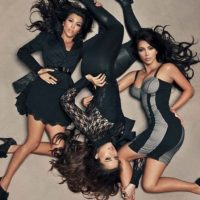 Su línea de ropa es una de sus marcas más exitosas. Foto:vía Kim Kardashian Kollection