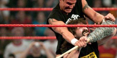 "Un joven ""Asesino de leyendas"" se impuso a la ""Leyenda del hardcore"" Foto:WWE"