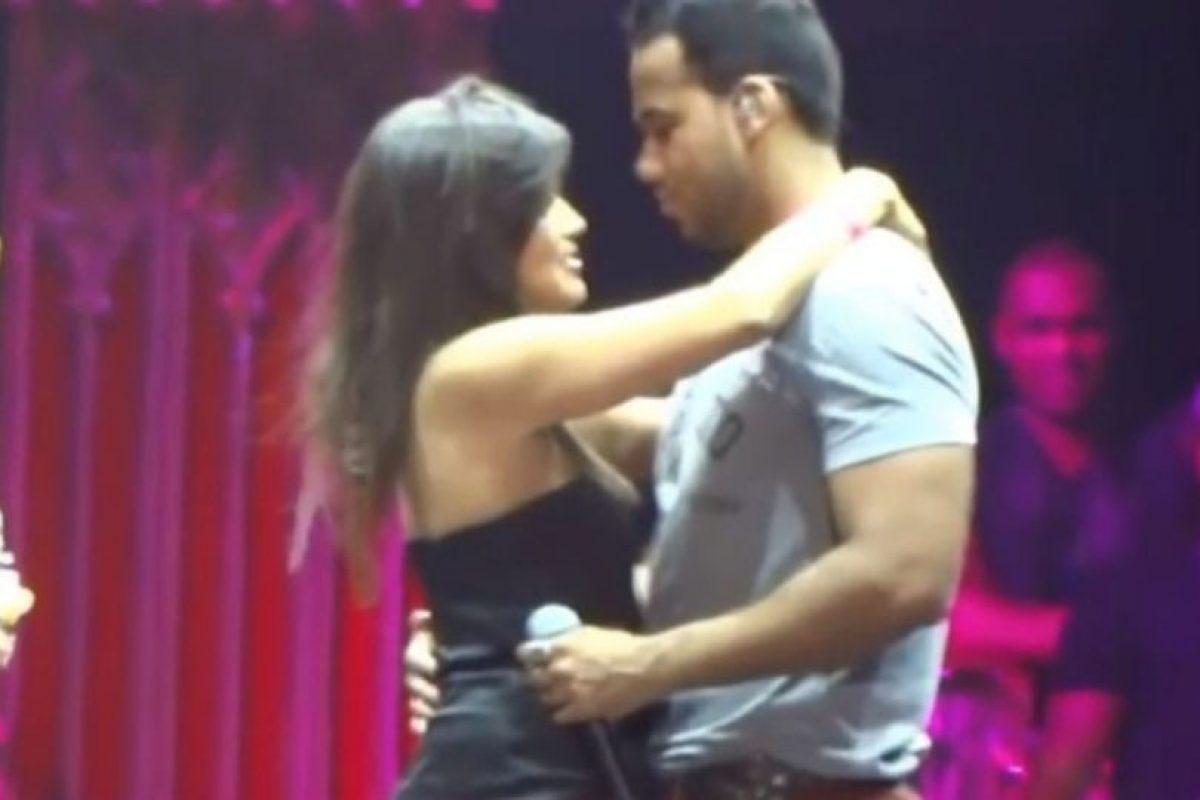 También le gusta sentir el cariño de sus admiradoras. Foto:vía youtube.com