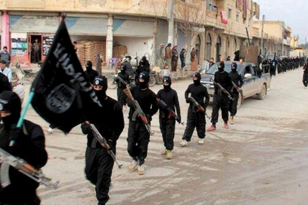 Cinco militantes del Estado Islámico fallecieron tras los ataques de un soldado británico. Foto:AP