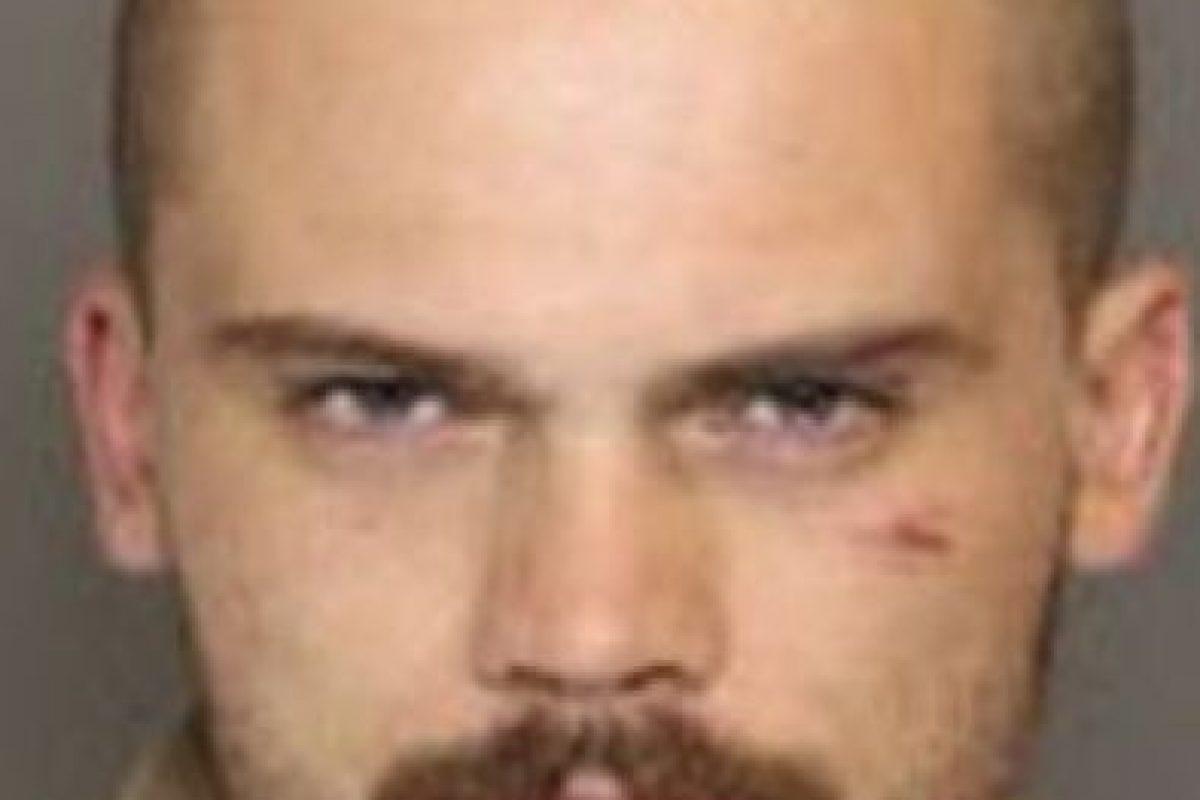 Hasta que fue arrestado este año por conducir sin licencia y resisitirse al arresto. Su auto dio contra las bardas de la carretera. Foto:vía Policía Carolina del Sur