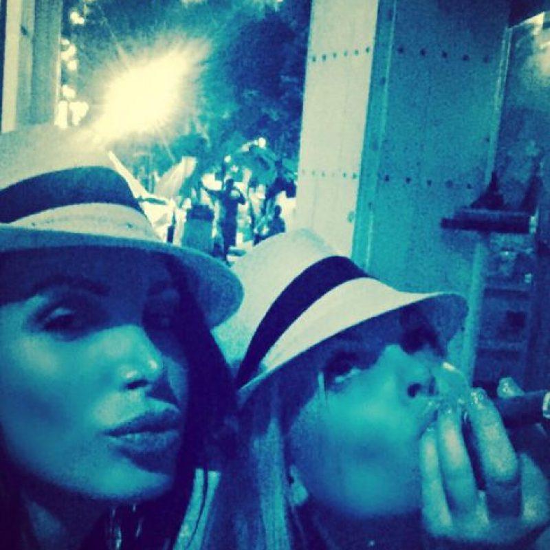 Aquí aparece con Jessie J, otra actriz porno. Foto:vía Instagram/nikkibenz