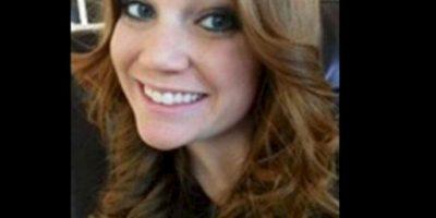 Virginia Houston Hinckley se entregó a las autoridades por tener relaciones con un alumno de 16 años. Foto: Facebook.com – Archivo